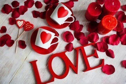 Открытка, картинка, сердце, сердечко, открытка любовь, открытка с любовью, I love you, люблю тебя, лепестки. Открытки  Открытка, картинка, сердце, сердечко, открытка любовь, открытка с любовью, I love you, люблю тебя, лепескти роз скачать бесплатно онлайн скачать открытку бесплатно | 123ot